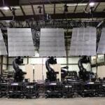 Robots Make the World's Most Versatile Video Screen for Rock Concert
