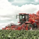 In this self-propelled beet harvesting machine, the series  E 598/E 998 filter provides a modular connection concept with two stackable connecting plates.